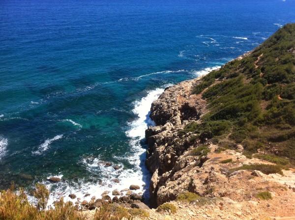 El mar visto de la ruta de l a Cova Tallada. Dénia (Alicante)