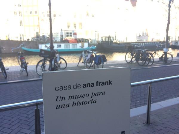 Entrada a la casa de Ana Frank