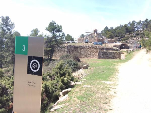 Gran cava en la sierra de Mariola (Alicante)
