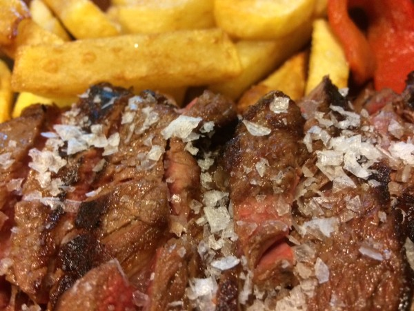 Carne Angus a la parrilla en el restaurante La Rucca en Becerril de la Sierra
