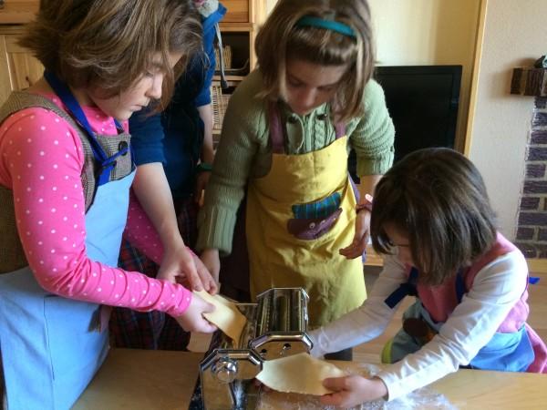 Ayudantes de cocina de pasta fresca