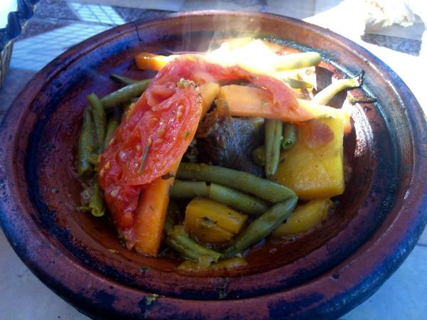 Tajín de verduras y carne.  ¡Delicioso!
