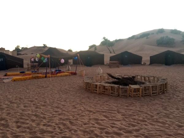 Nuestro campamento de haimas en el desierto (Marruecos)