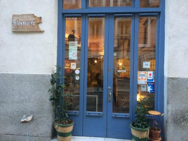 Entrada al restaurante Blanca, 6 en la zona Alonso Martínez