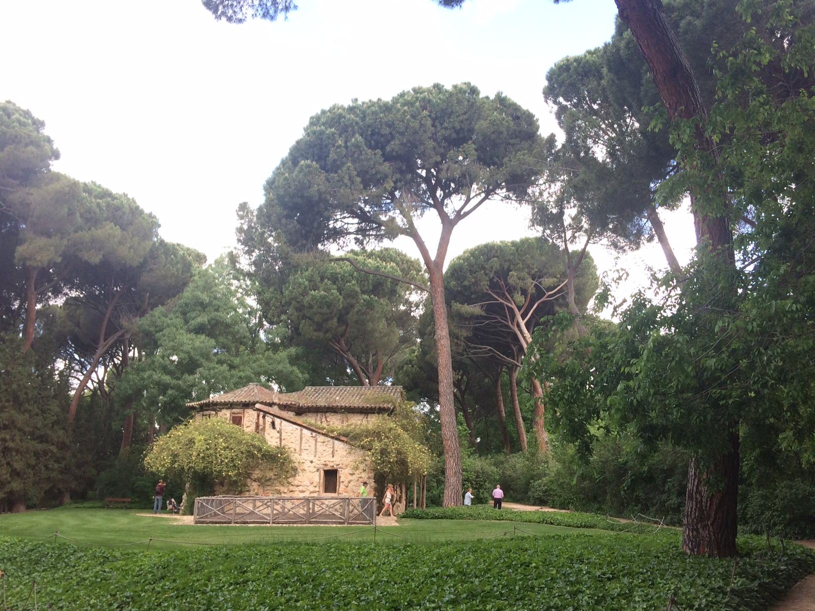 Casa de la abuela en el parque del Capricho