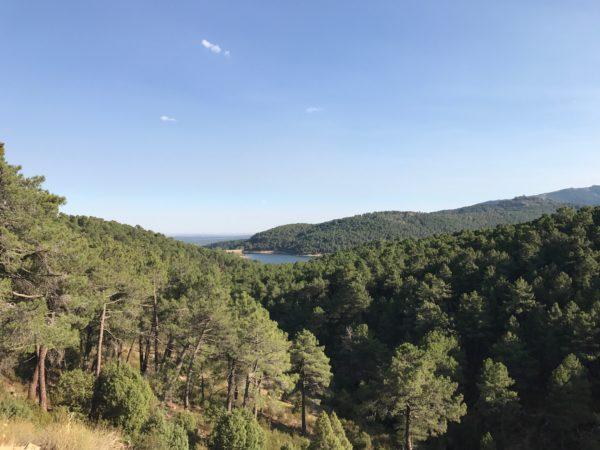 Vistas del embalse de la Jarosa subiendo a las trincheras