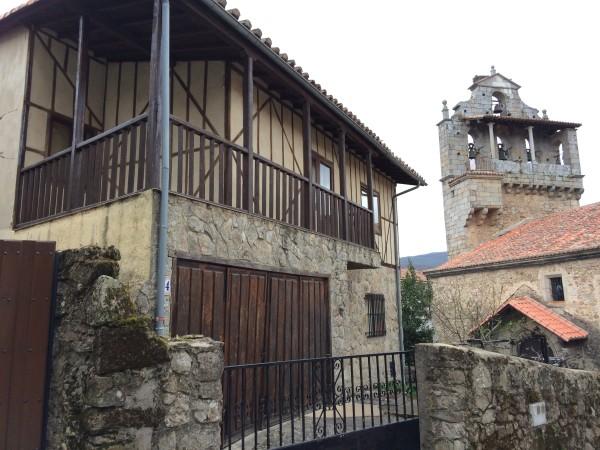 Vista del pueblo Miranda del Castañar desde el Castillo. Sierra de Francia (Salamanca)