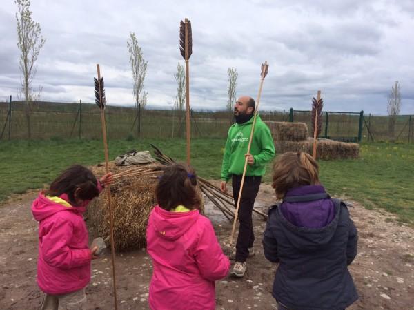 Aprendiendo a tirar lanzas y flechas en el CAREX (Atapuerca- Burgos)