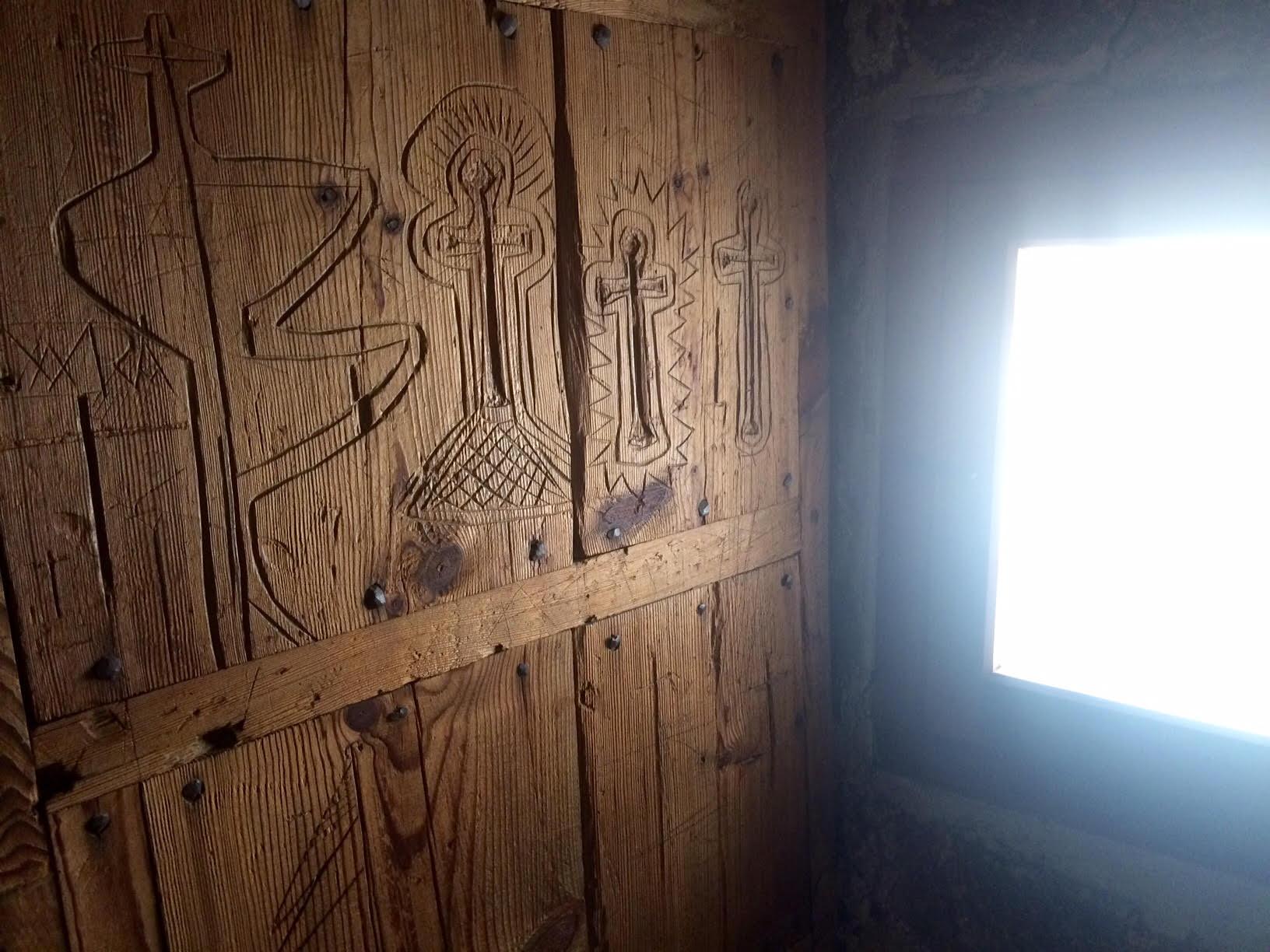 Grabados en la cárcel de la villa de Pedraza (Segovia)